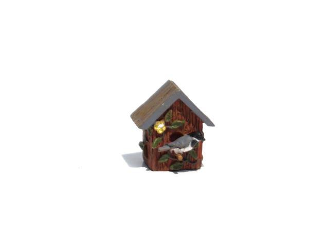 Birdhouse chickadee 640x480